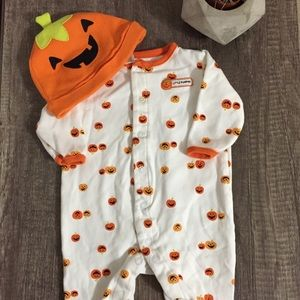 FREE* bundle and save! Pumpkin footie size 3